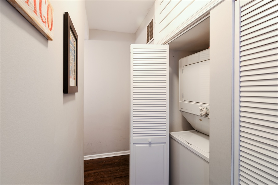 Real Estate Photography - 1645 W. School St., 421, Chicago, IL, 60657 - Laundry Room
