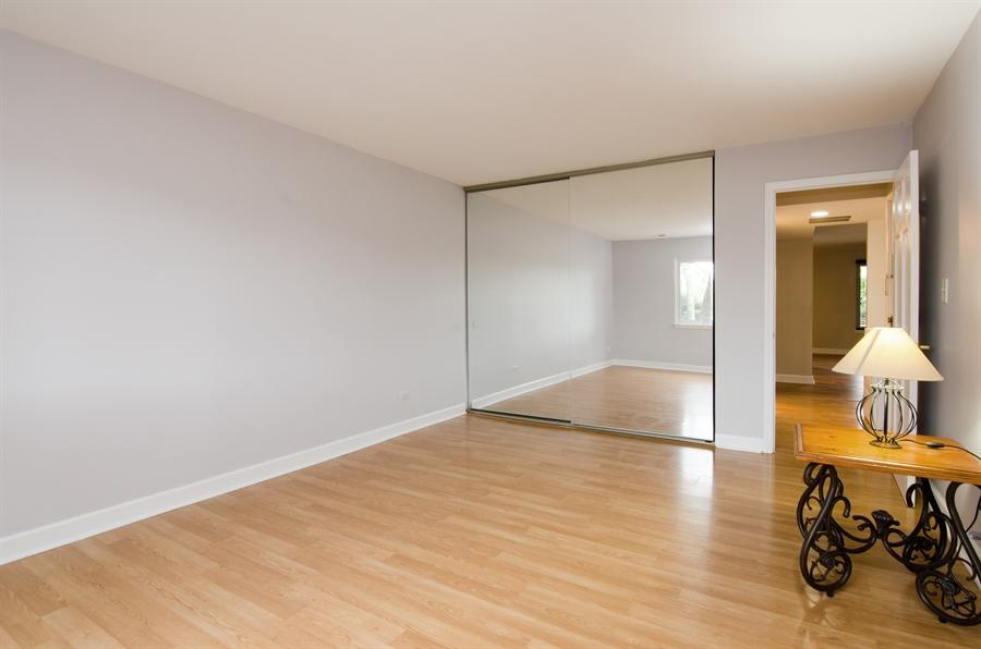 Real Estate Photography - 1745 Robin Walk, D, Hoffman Estates, IL, 60169 - Bedroom