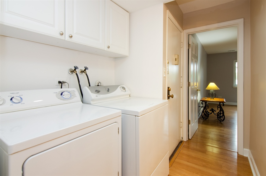 Real Estate Photography - 1745 Robin Walk, D, Hoffman Estates, IL, 60169 - Laundry Room