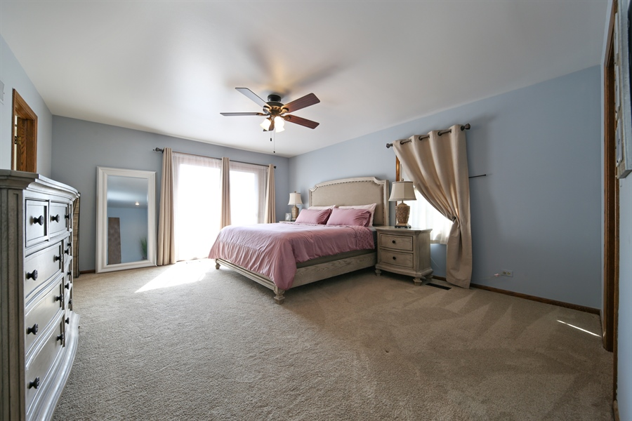 Real Estate Photography - 190 e columbia, elmhurst, IL, 60126 - Master Bedroom