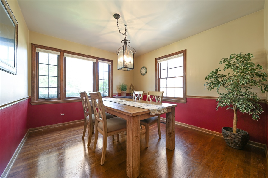 Real Estate Photography - 190 e columbia, elmhurst, IL, 60126 - Dining Room
