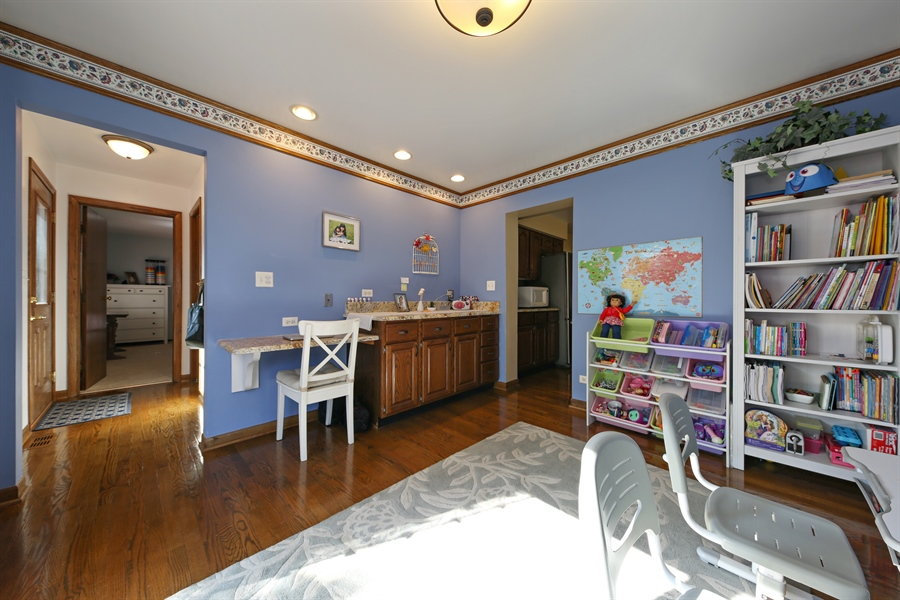 Real Estate Photography - 190 e columbia, elmhurst, IL, 60126 - Den/Playroom