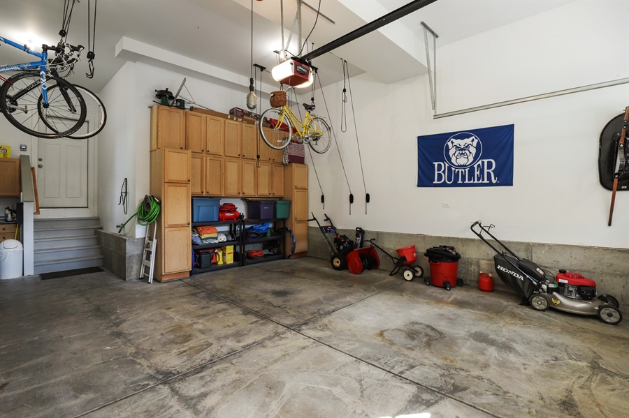 Real Estate Photography - 924 Wheeler, Libertyville, IL, 60048 - Garage