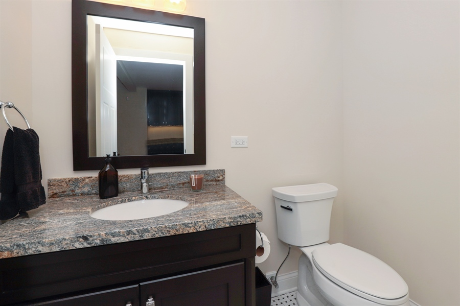 Real Estate Photography - 924 Wheeler, Libertyville, IL, 60048 - Half Bath