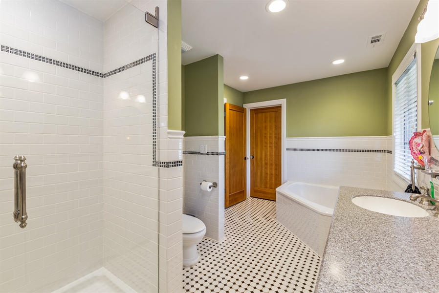 Real Estate Photography - 293 Longcommon Rd, Riverside, IL, 60546 - Master Bathroom
