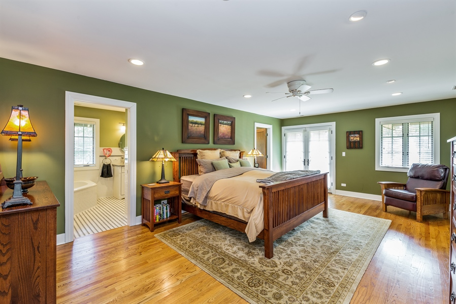 Real Estate Photography - 293 Longcommon Rd, Riverside, IL, 60546 - Master Bedroom