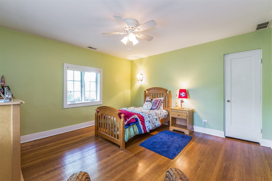 Real Estate Photography - 293 Longcommon Rd, Riverside, IL, 60546 - 3rd Bedroom