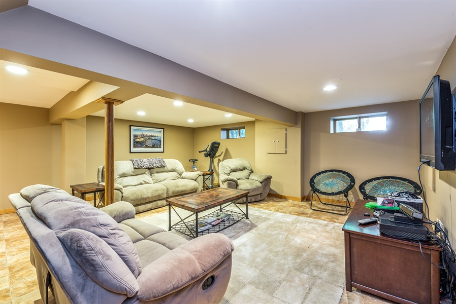 Real Estate Photography - 293 Longcommon Rd, Riverside, IL, 60546 - Basement