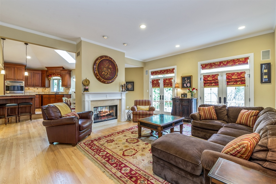 Real Estate Photography - 293 Longcommon Rd, Riverside, IL, 60546 - Family Room