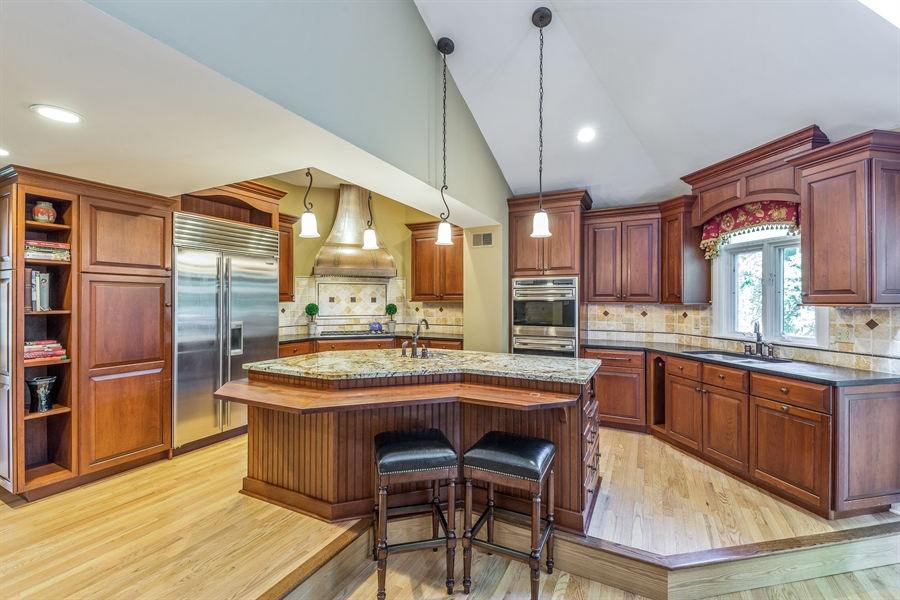 Real Estate Photography - 293 Longcommon Rd, Riverside, IL, 60546 - Kitchen