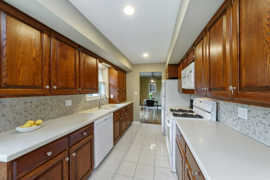 Real Estate Photography - 103 Coldren Dr, Prospect Heights, IL, 60070 - Kitchen