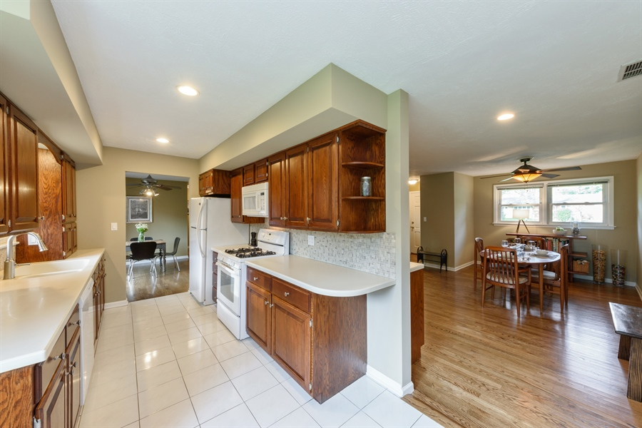 Real Estate Photography - 103 Coldren Dr, Prospect Heights, IL, 60070 - Kitchen / Dining Room