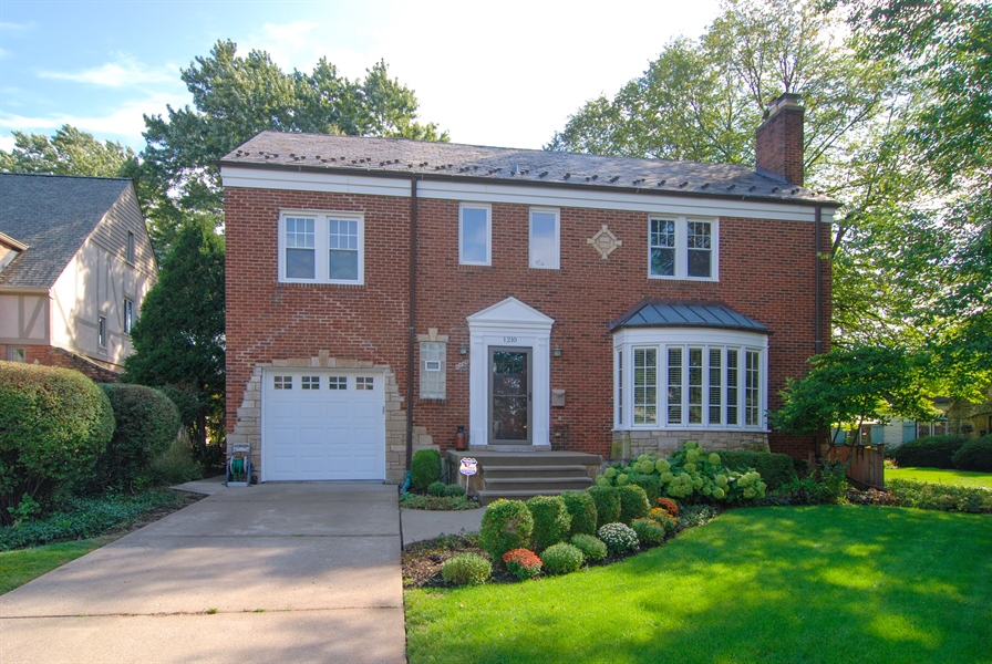Real Estate Photography - 1210 Woodbine Ave, Oak Park, IL, 60302 - Side View
