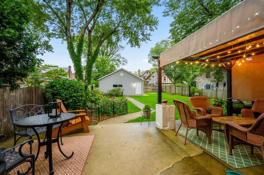 Real Estate Photography - 1210 Woodbine Ave, Oak Park, IL, 60302 - Patio
