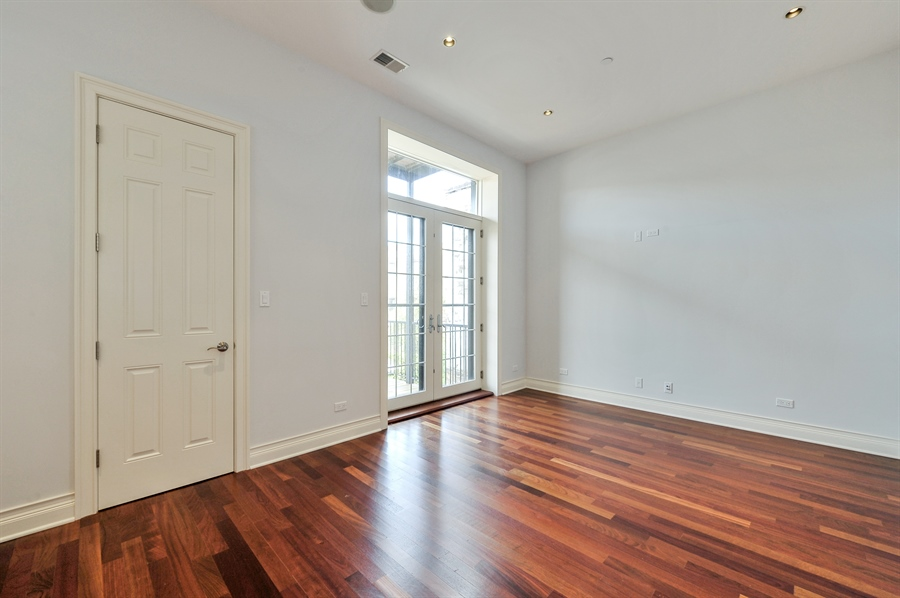 Real Estate Photography - 550 W Oakdale Ave, Chicago, IL, 60657 - 5th Bedroom