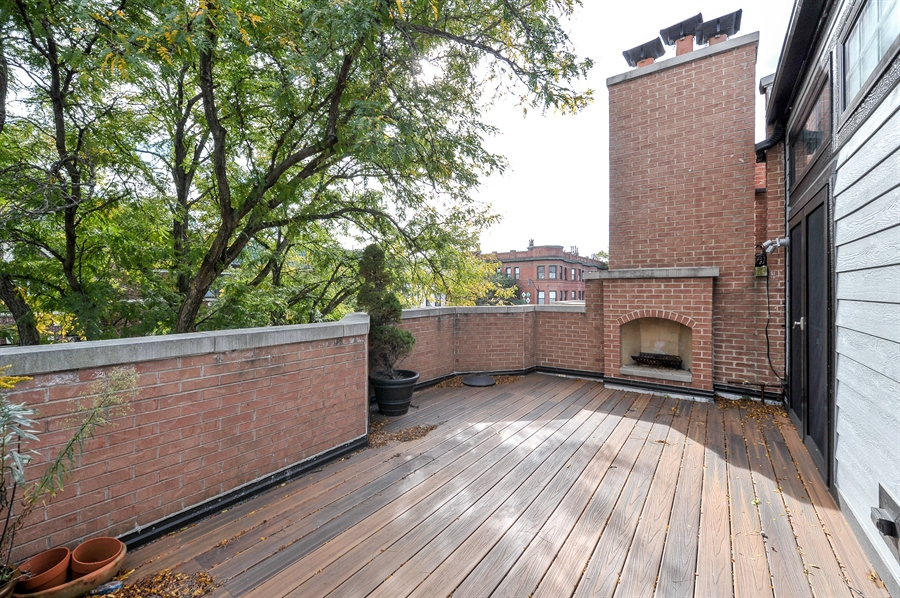 Real Estate Photography - 550 W Oakdale Ave, Chicago, IL, 60657 - Roof Deck