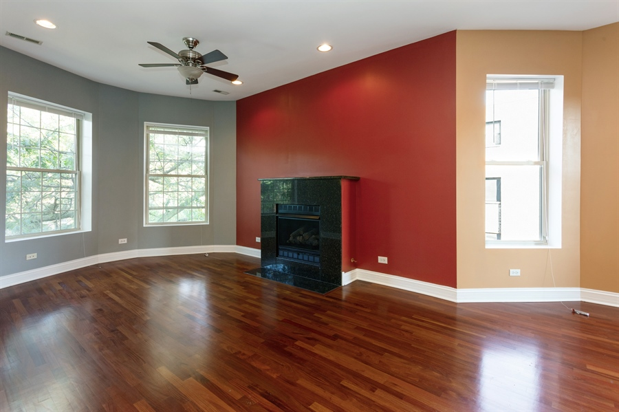 Real Estate Photography - 5023 S Michigan Ave, Unit 3, Chicago, IL, 60615 - Living Room