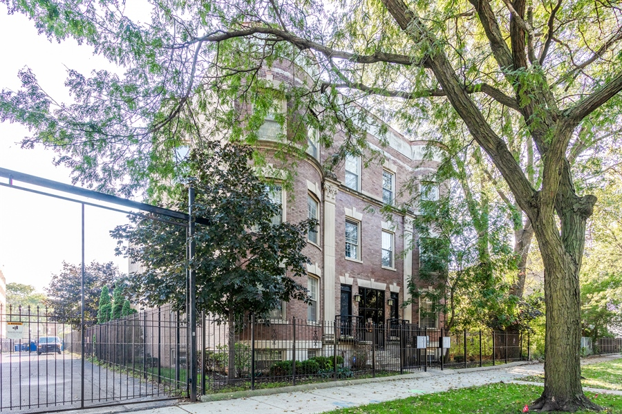 Real Estate Photography - 5023 S Michigan Ave, Unit 3, Chicago, IL, 60615 - Front View