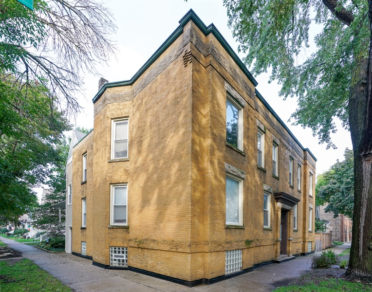 Real Estate Photography - 3702-3704 North Hoyne, chicago, IL, 60618 - Side View
