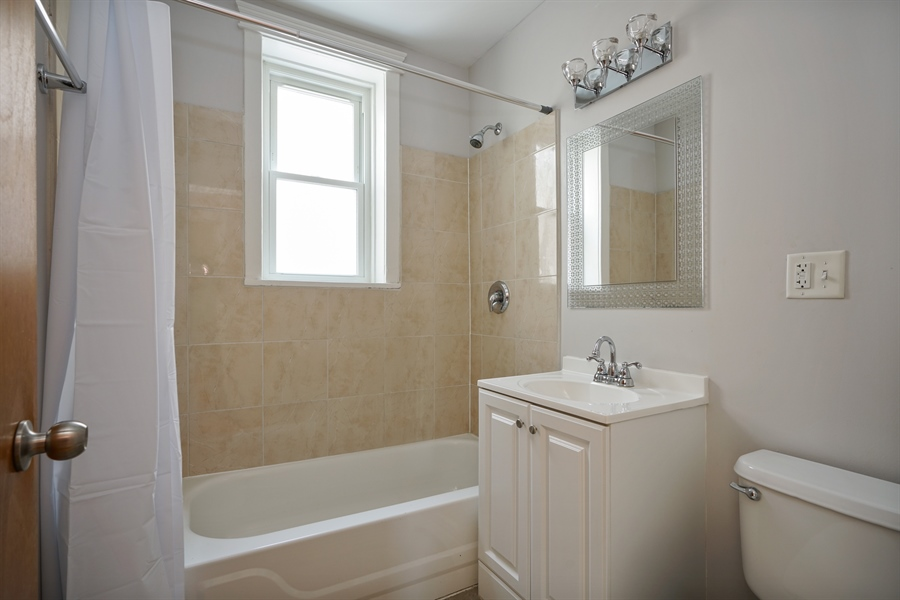 Real Estate Photography - 3702-3704 North Hoyne, chicago, IL, 60618 - Bathroom