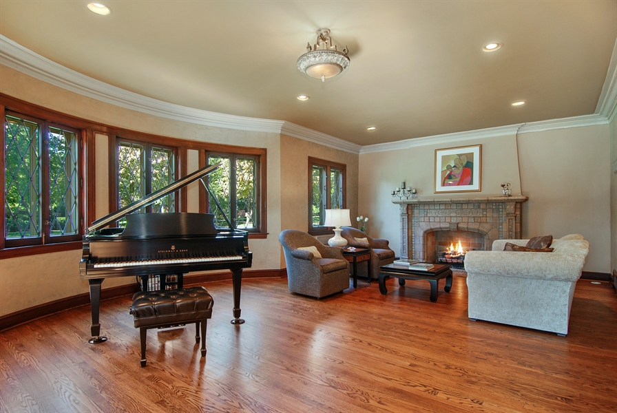 Real Estate Photography - 907 Lathrop, River Forest, IL, 60305 - Living Room
