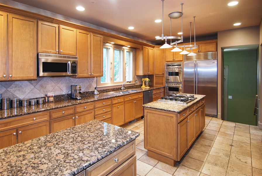 Real Estate Photography - 907 Lathrop, River Forest, IL, 60305 - Kitchen