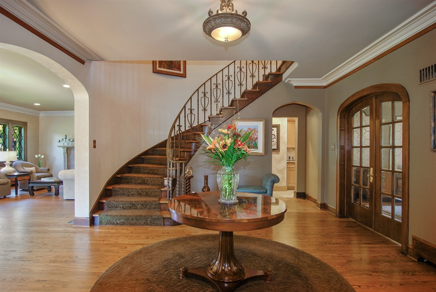 Real Estate Photography - 907 Lathrop, River Forest, IL, 60305 - Foyer
