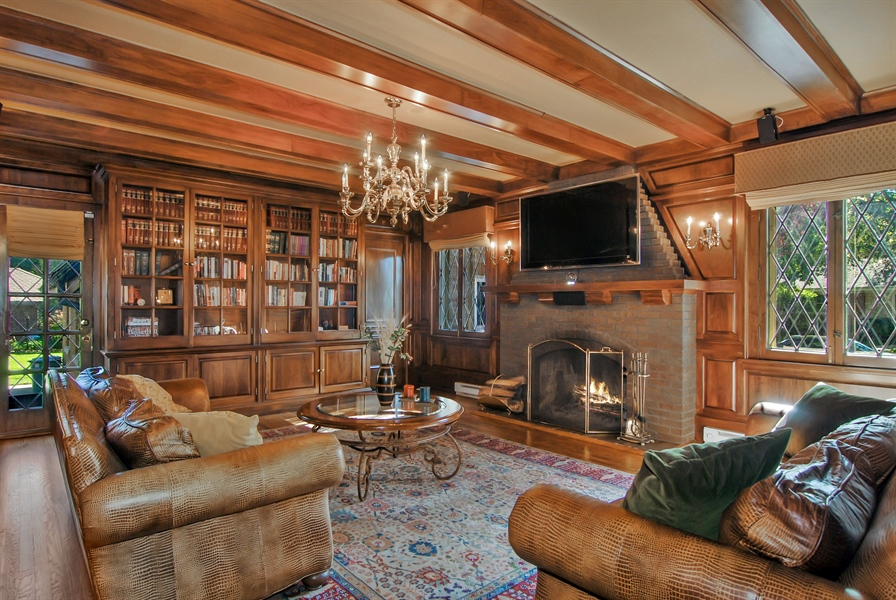 Real Estate Photography - 907 Lathrop, River Forest, IL, 60305 - Library