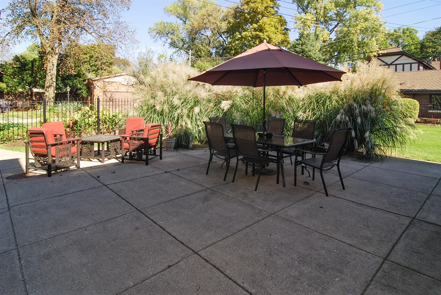 Real Estate Photography - 907 Lathrop, River Forest, IL, 60305 - Patio