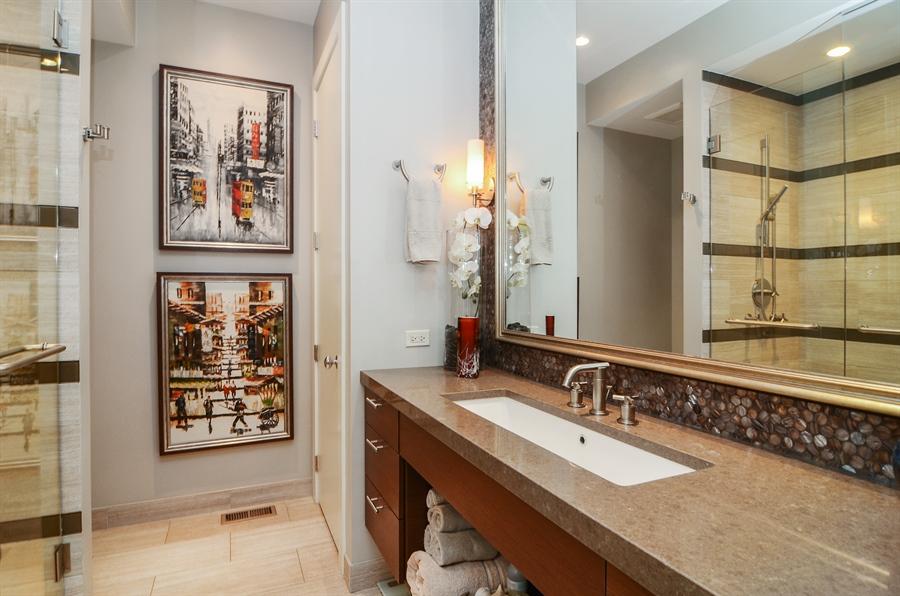 Real Estate Photography - 650 W Fulton, C, Chicago, IL, 60661 - Master Bathroom