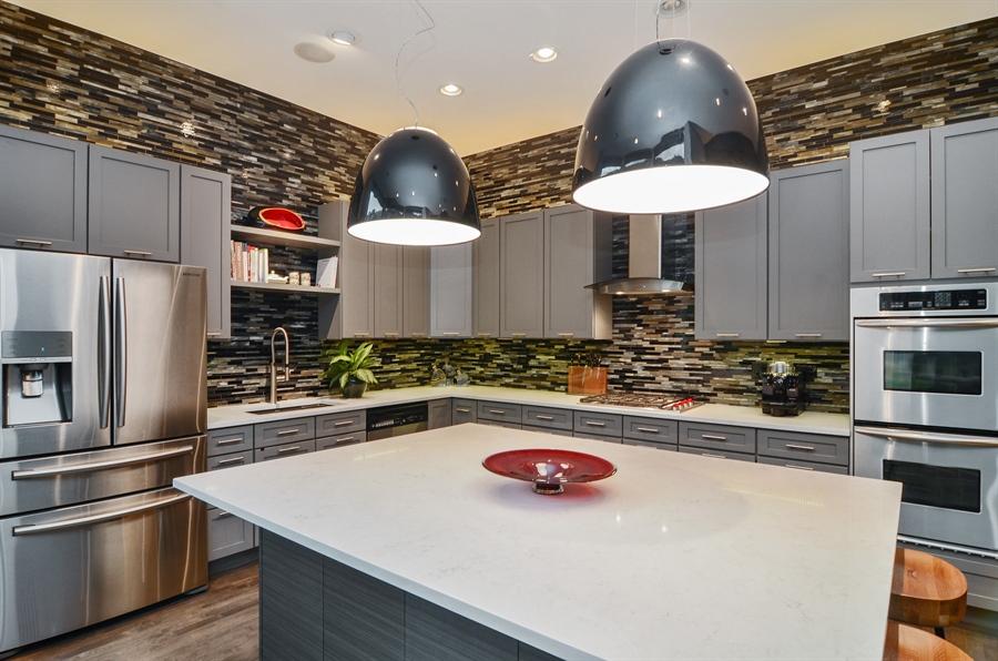 Real Estate Photography - 650 W Fulton, C, Chicago, IL, 60661 - Kitchen