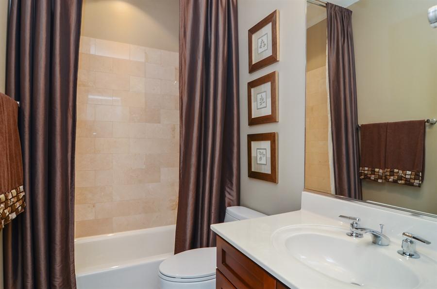 Real Estate Photography - 650 W Fulton, C, Chicago, IL, 60661 - Bathroom