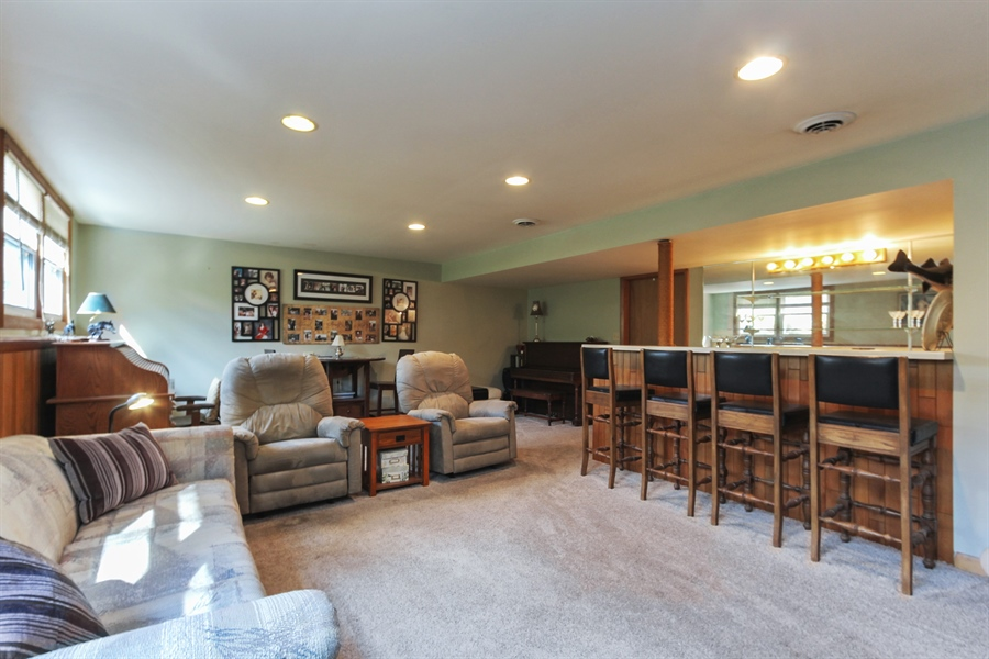 Real Estate Photography - 43411 N Lake Ave, Antioch, IL, 60002 - Family Room