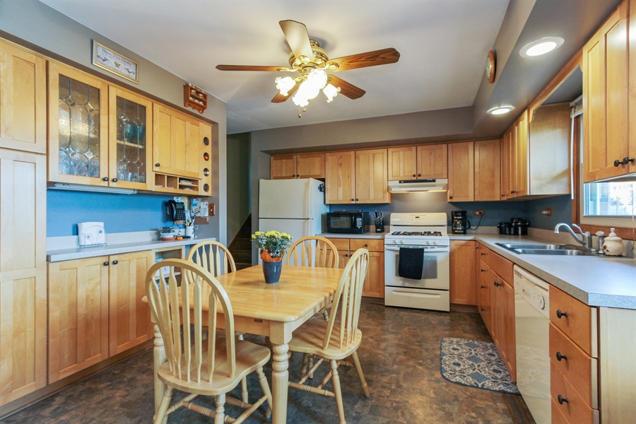 Real Estate Photography - 43411 N Lake Ave, Antioch, IL, 60002 - Kitchen