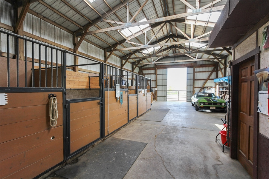 Real Estate Photography - 43411 N Lake Ave, Antioch, IL, 60002 - Barn