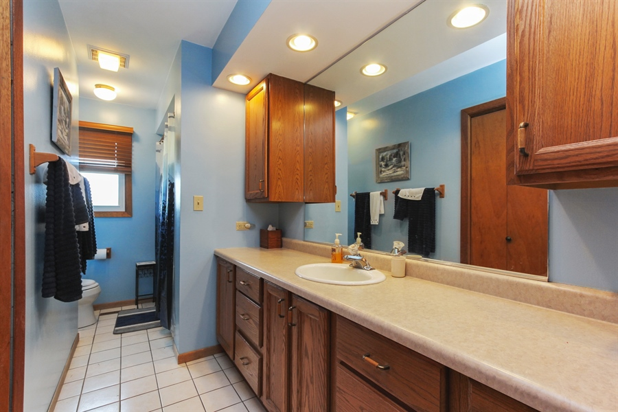 Real Estate Photography - 43411 N Lake Ave, Antioch, IL, 60002 - Bathroom