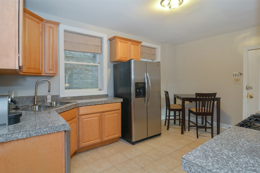 Real Estate Photography - 2744 N Bosworth, G, Chicago, IL, 60614 - Kitchen
