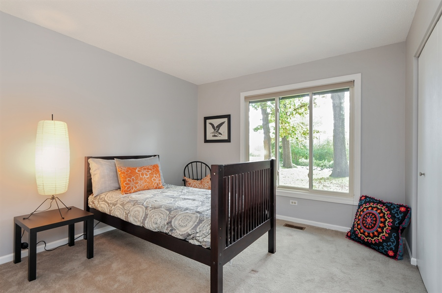 Real Estate Photography - 1828 White Fence, Green Oaks, IL, 60048 - 2nd Bedroom