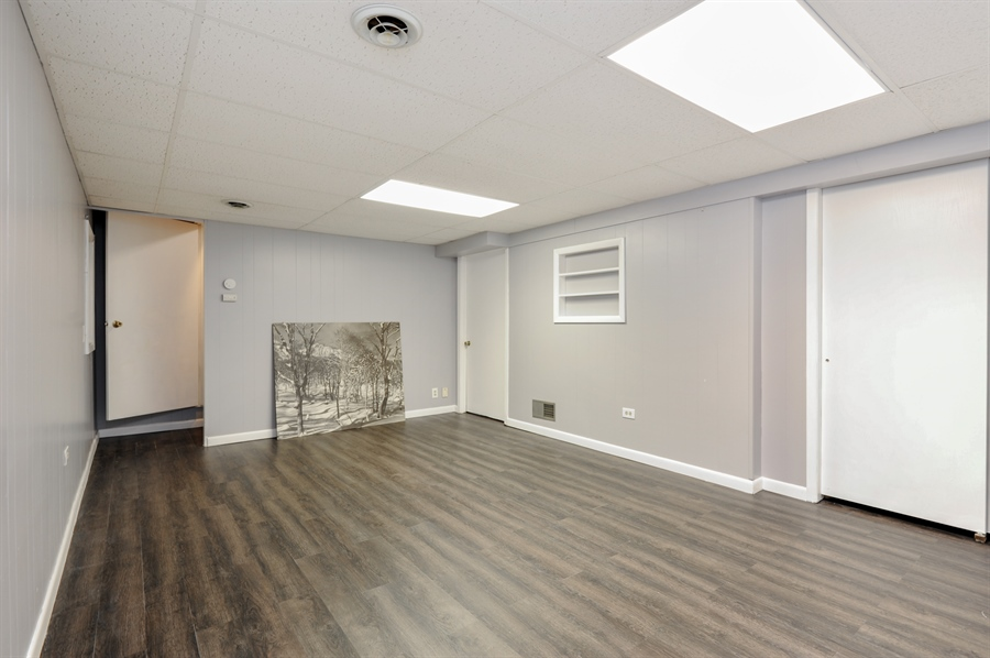 Real Estate Photography - 1828 White Fence, Green Oaks, IL, 60048 - Recreational Room