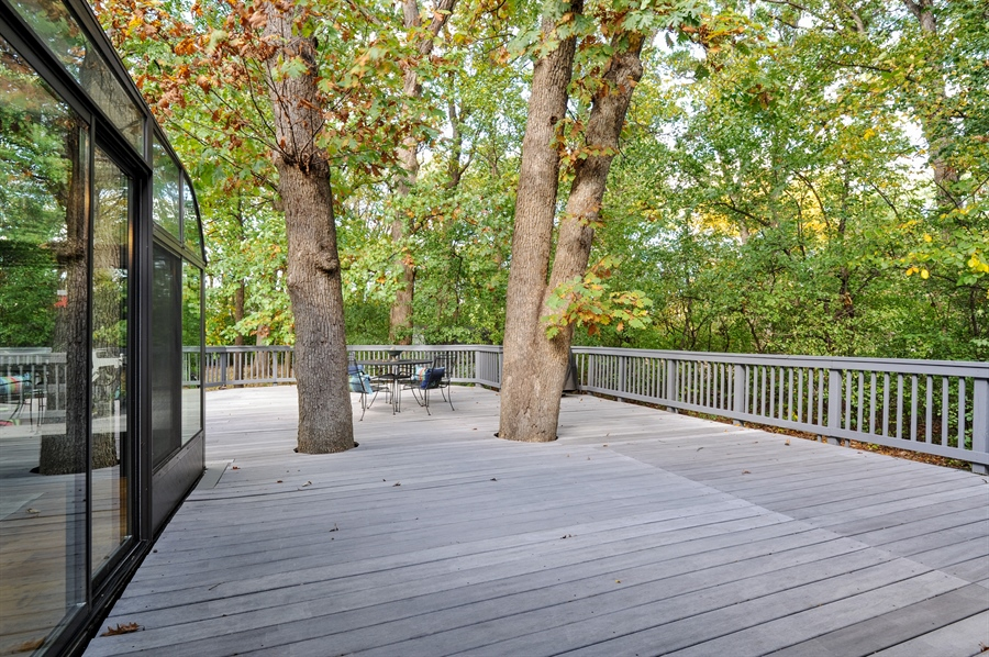 Real Estate Photography - 1828 White Fence, Green Oaks, IL, 60048 - Deck