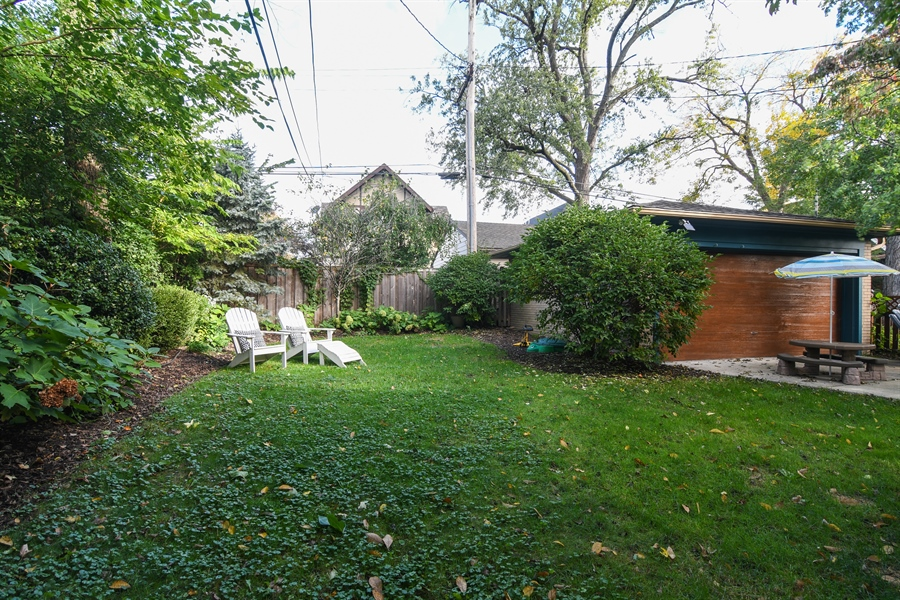 Real Estate Photography - 422 Berkshire St, Oak Park, IL, 60302 - Back Yard