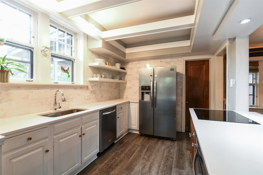 Real Estate Photography - 422 Berkshire St, Oak Park, IL, 60302 - Kitchen