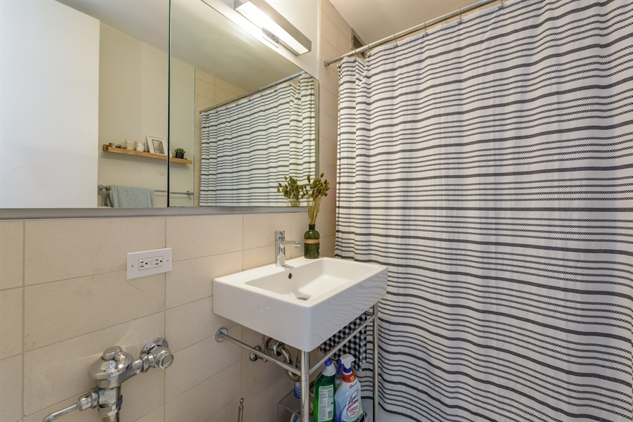 Real Estate Photography - 330 W. Diversey Ave., 1402, Chicago, IL, 60657 - Master Bathroom