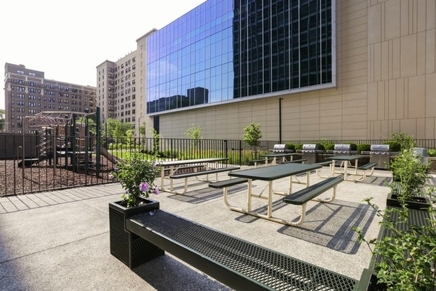 Real Estate Photography - 330 W. Diversey Ave., 1402, Chicago, IL, 60657 -