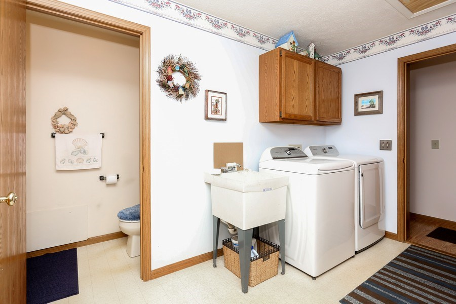 Real Estate Photography - 14458 Wolf Ln, New Buffalo, MI, 49117 - Laundry Room