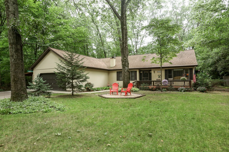 Real Estate Photography - 14458 Wolf Ln, New Buffalo, MI, 49117 - Front View
