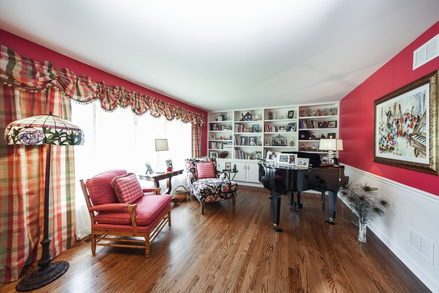 Real Estate Photography - 200 Dundee Rd, Barrington Hills, IL, 60010 - Living Room