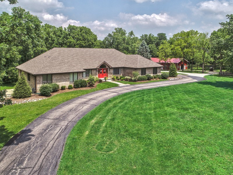 Real Estate Photography - 200 Dundee Rd, Barrington Hills, IL, 60010 - Aerial View