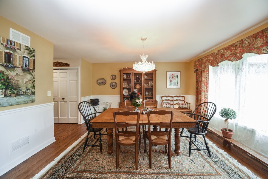 Real Estate Photography - 200 Dundee Rd, Barrington Hills, IL, 60010 - Dining Room