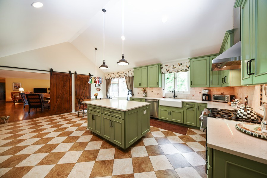 Real Estate Photography - 200 Dundee Rd, Barrington Hills, IL, 60010 - Kitchen